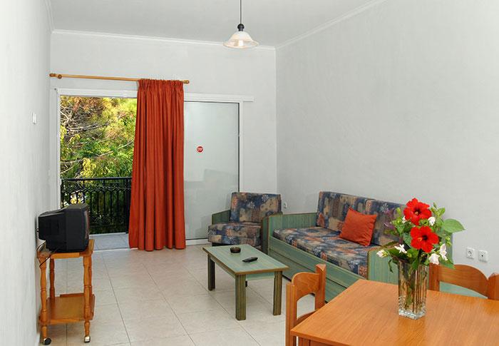 Mimoza Beach Resort   Apartments