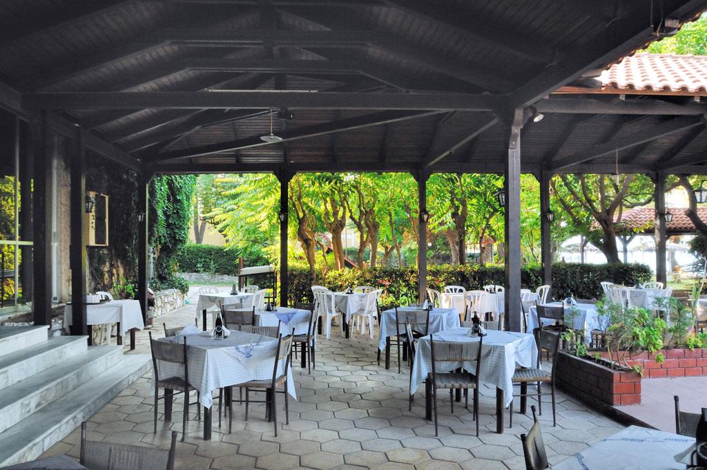 Mimoza Beach Resort   Restaurant